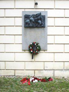 Pamětní deska na Střeleckém ostrově v Praze