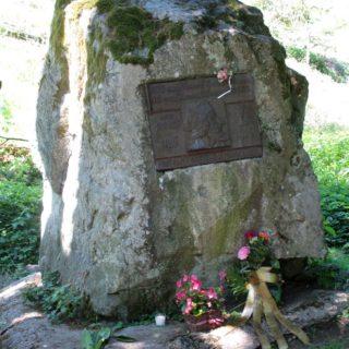 Husův kámen nedaleko Senohrab