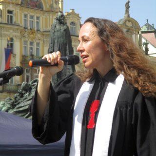 duchovní Hana Tonzarová